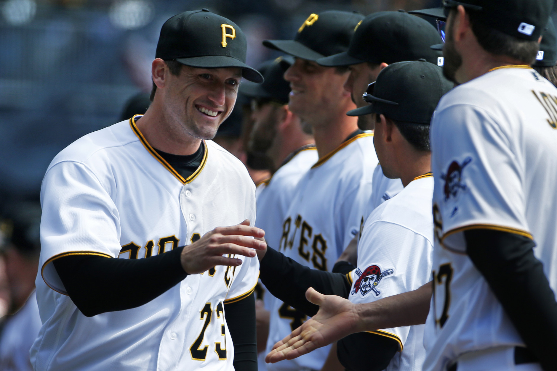 Pirates ink Freese to two-year extension
