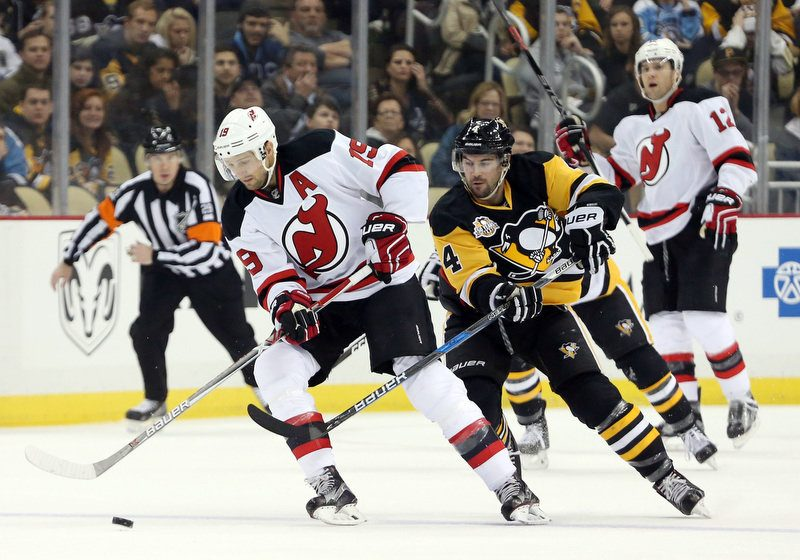 Fans get early Christmas present with Penguins' win over Devils