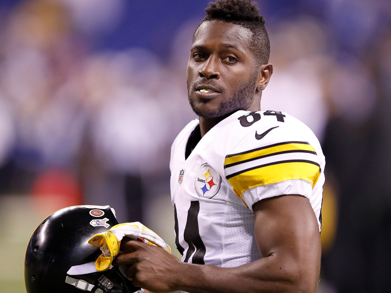 """Antonio Brown Stats 2017 >> Report: Antonio Brown """"pouted"""" after Steelers TD, too concerned with stats"""
