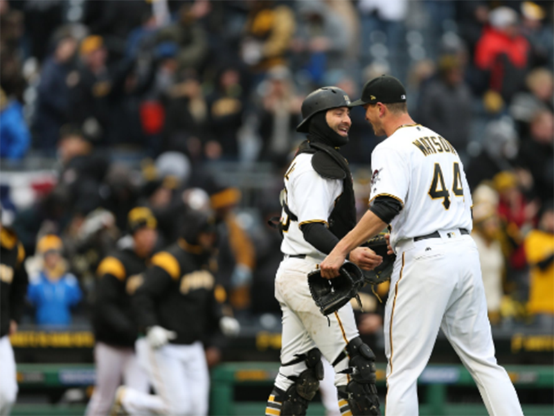 Pirates raise Jolly Roger for first time this season with win over Braves