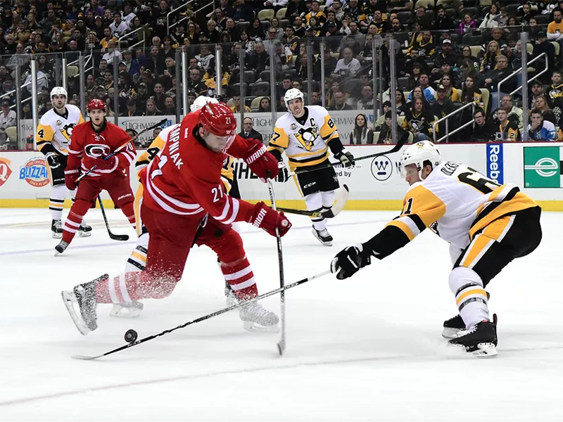 Penguins win third straight game, lose Murray to injury