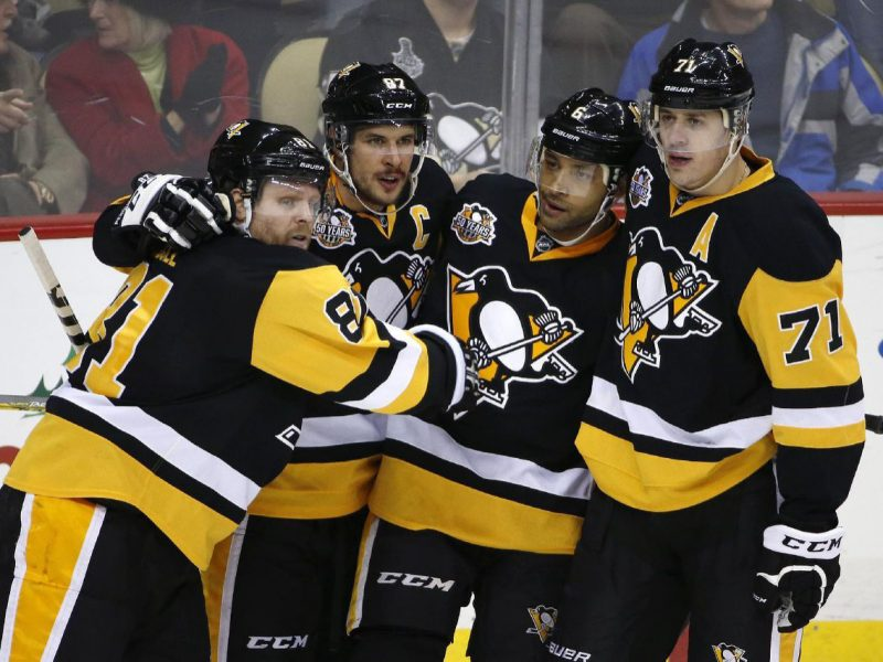 Penguins glide past Coyotes to win sixth straight game